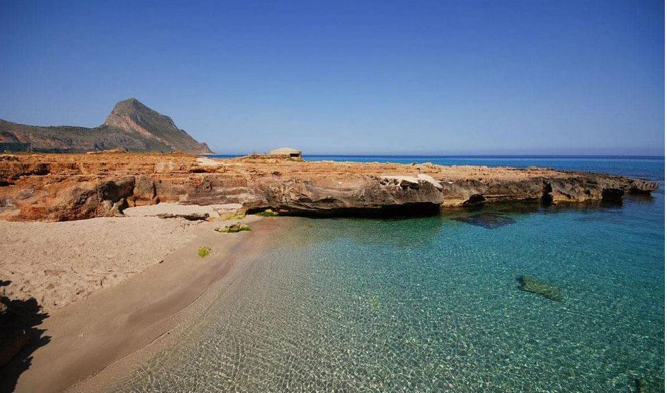castelluzzo-spiaggia